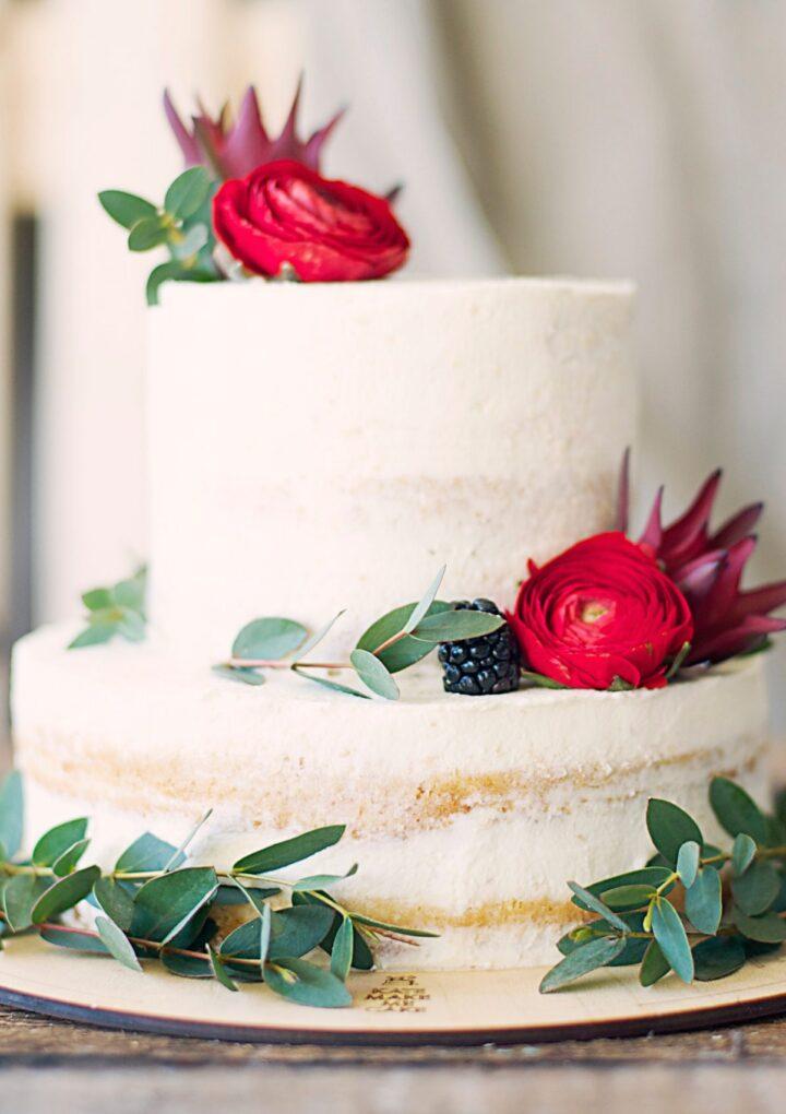 Jak łatwo udekorować tort? Praktyczne porady