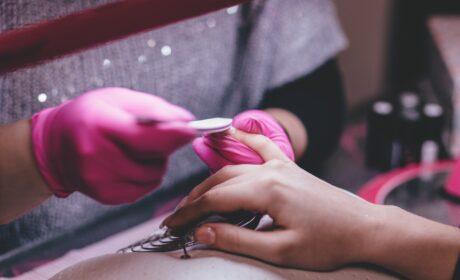 French manicure – jak go zrobić w domu?